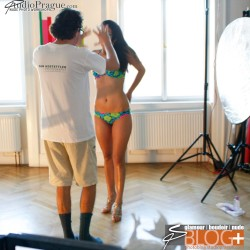 Guide Your Model! But Collaborate With Her - How to Shoot Nude Photos – 12 Essential Tips